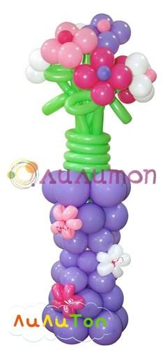 Ваза с цветами из шаров