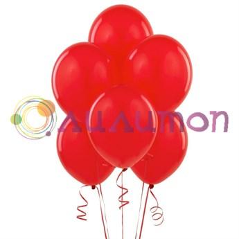 Облако из красных воздушных шаров