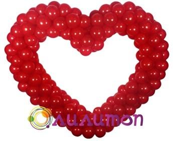 Красное сердце из шаров