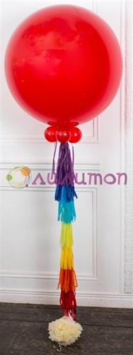 Большой красный воздушный шар с кистью тассел