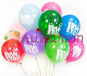 Облако из воздушных шаров 'Love is...'