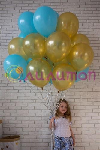 Облако из воздушных шаров 'Голубой + золото'